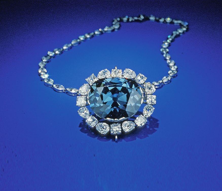 Самый роковой в мире синий алмаз Хоуп (Надежда)