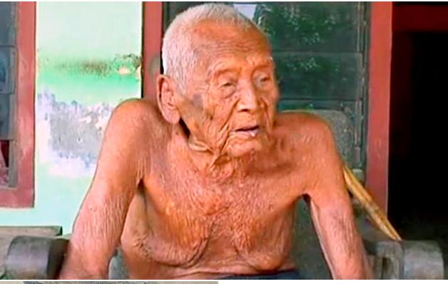 Долгожитель из Индонезии Мбах Гово - 144 года
