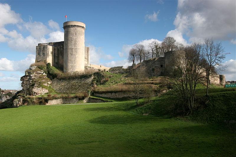 Фалезский замок, место рождения Вильгельма Завоевателя