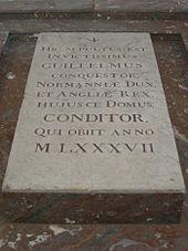 Надгробный камень в Каннах
