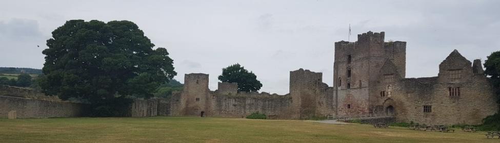 Замок в графстве Шорпшир