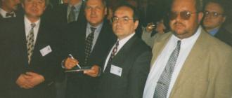 Президент Польши Александр Квасневский и я в центре